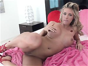 naughty hotty Samantha Saint gets too super-fucking-hot to treat for one solo act