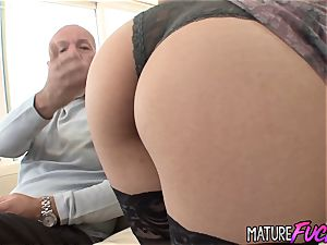 flawless Latina nubile Nicole Ferrera Gets nasty with an elderly dude