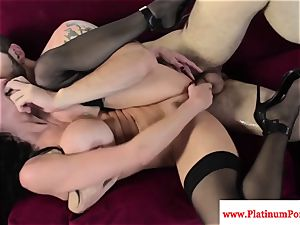Veronica Avluv gets a mouthhole of cum