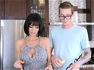 naughty mommy Veronica Avluv screwing her sons mischievous acquaintance