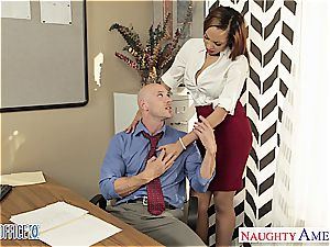 Stockinged babe Serena Ali bang in the office