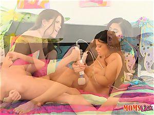 Alexa Pierce and Jenna Jay get down on cunny