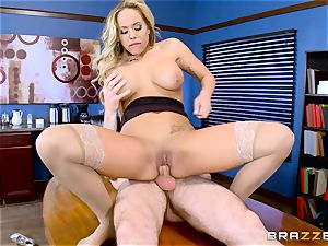 How to smash in the office with Olivia Austin