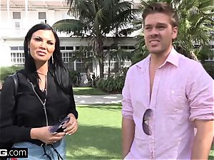 Jasmine Jae brings her dude plaything along for a pov banging