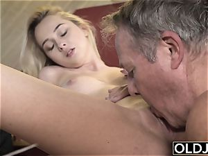 youthfull senior pornography Martha gives grandfather a dirty suck off