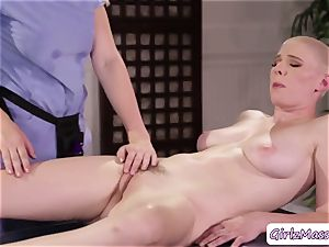 masseur Giselle Palmer enjoys tonguing Riley Nixons moist gash in the table