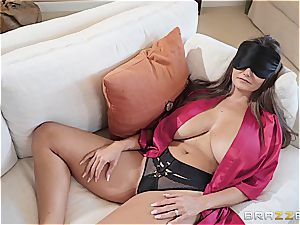 mind-blowing Ava Addams banged by her stepson
