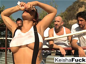 super sumptuous Keisha gets prepped for her group sex