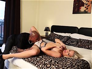 interracial facial cumshot for light-haired babe Lexi Lowe