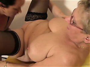 xxx Omas - Kitchen 3some with German Mature breezies
