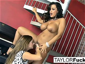 Taylor Vixen Gets mischievous With Lisa Ann