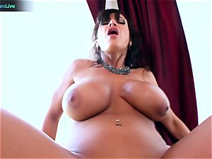 Lisa Ann likes sitting into Toni Ribas humungous man-meat
