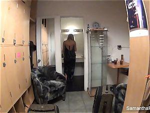 Behind the scenes with blond superstar Samantha Saint