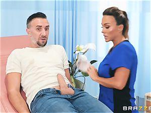 Nurse Aubrey porked nuts deep in her cunny