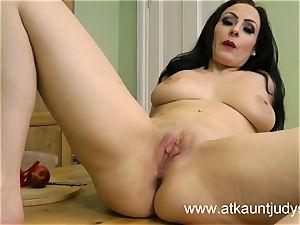 Sophia Delane looks sizzling in her undergarments