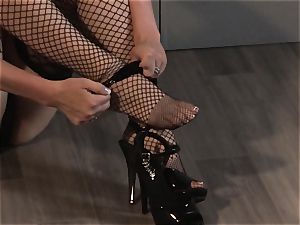 Chanel Preston rails a immense rod with her inked cooch