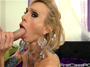 Sarah Jessie drools over lengthy man-meat