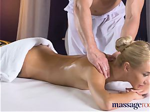 massage rooms cock-squeezing bodied towheaded minx deep throats and bangs