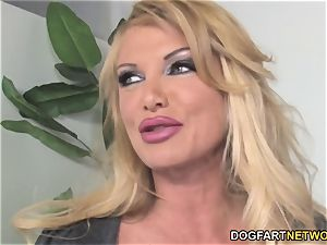 huge-chested cougar Taylor Wayne hungers Her chief big black cock