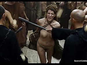 Lena Headey bares her naked assets in Game of Thrones