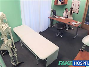 FakeHospital doctor gets fantastic patients labia raw