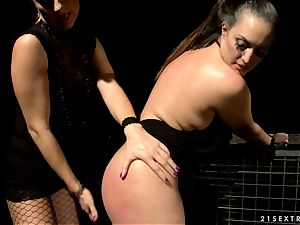 mad bi-atch Mandy Bright tantalizes this lusty slut