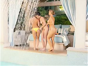gorgeous lezzies Nicole Aniston and pals poolside snatch fun