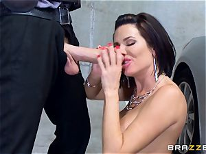 kinky mature Veronica Avluv leaned over and poked
