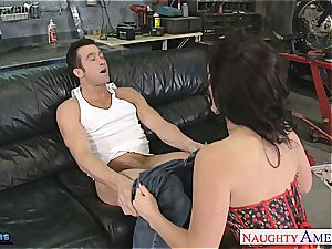 Jayden James opens wide to fit his phat beef whistle inside her