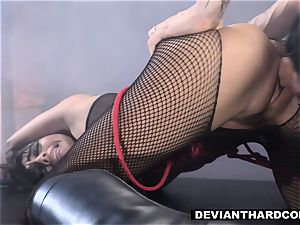 DeviantHardcore - Waterboarding nubile With wood