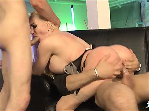 LA COCHONNE - French stunner gets double penetration in scorching MMF threeway