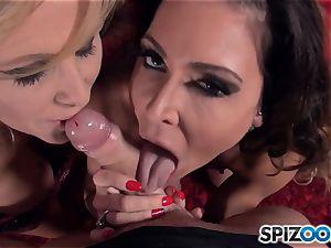 Jessica Jaymes and Julia Ann deep throating weenie