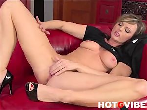 Sandra Sanchez Skips palace Duties to masturbate 2